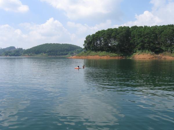 Thac Ba lake2