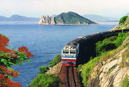 Train through Danang